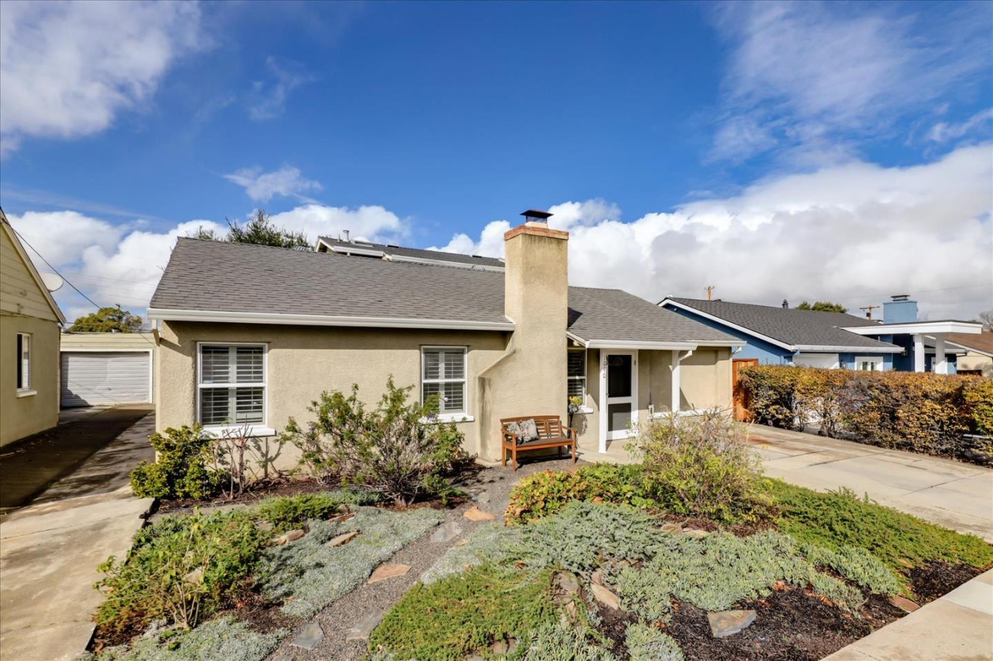 Detail Gallery Image 1 of 1 For 1040 Springfield Dr, San Carlos,  CA 94070 - 3 Beds | 2 Baths