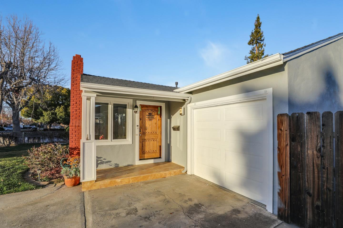 Detail Gallery Image 1 of 1 For 880 Arnold Way, San Jose,  CA 95128 - 3 Beds   2 Baths