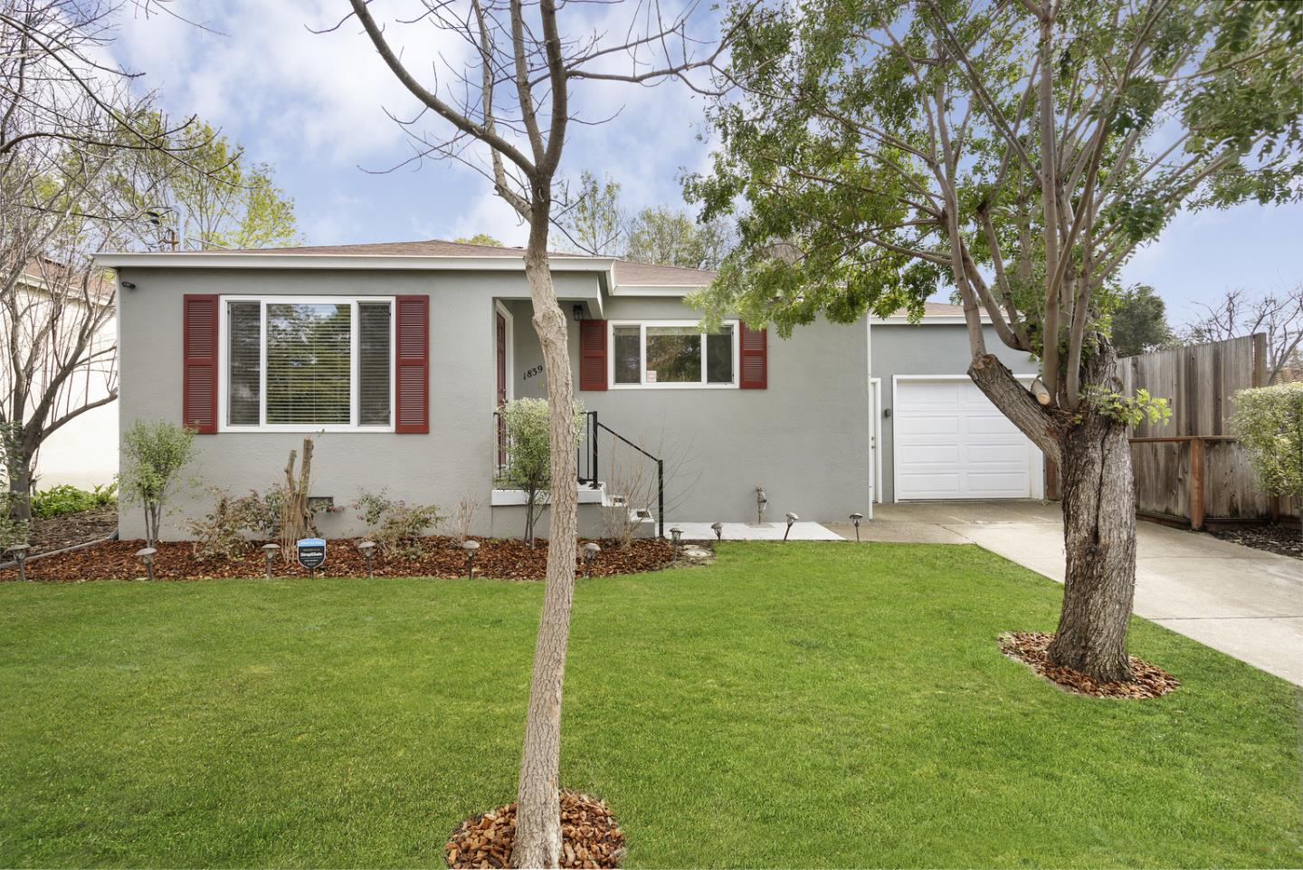 Detail Gallery Image 1 of 1 For 1839 Hill Ave, Hayward,  CA 94541 - 2 Beds | 1 Baths