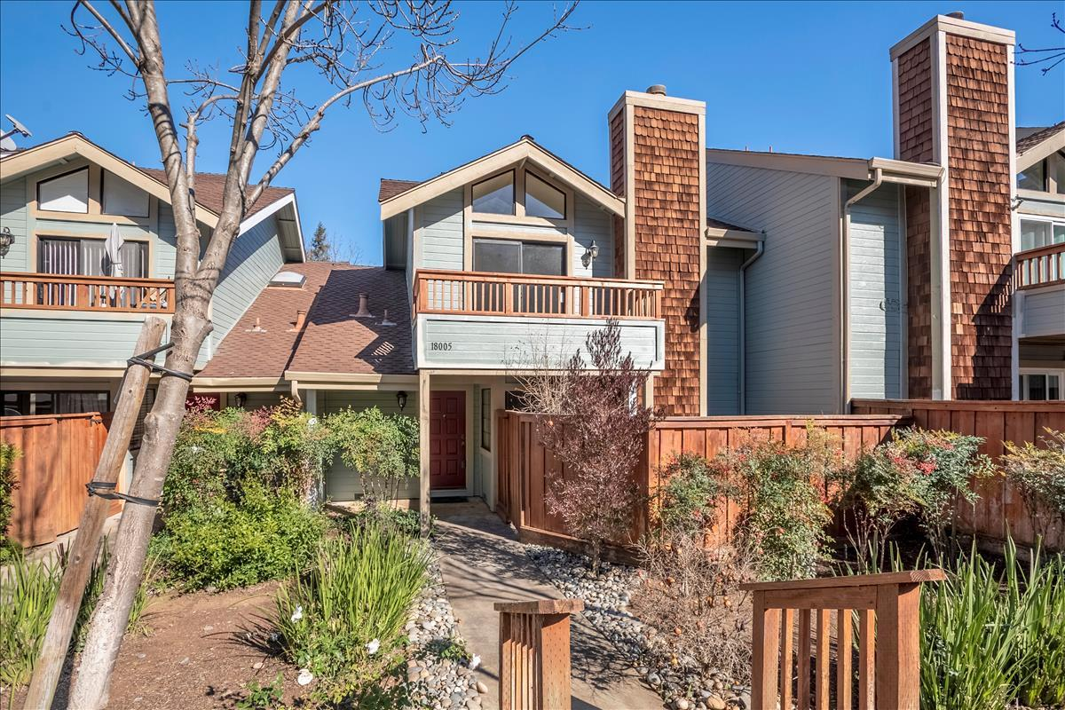 Detail Gallery Image 1 of 1 For 18005 Hillwood Ln, Morgan Hill,  CA 95037 - 2 Beds | 2/1 Baths
