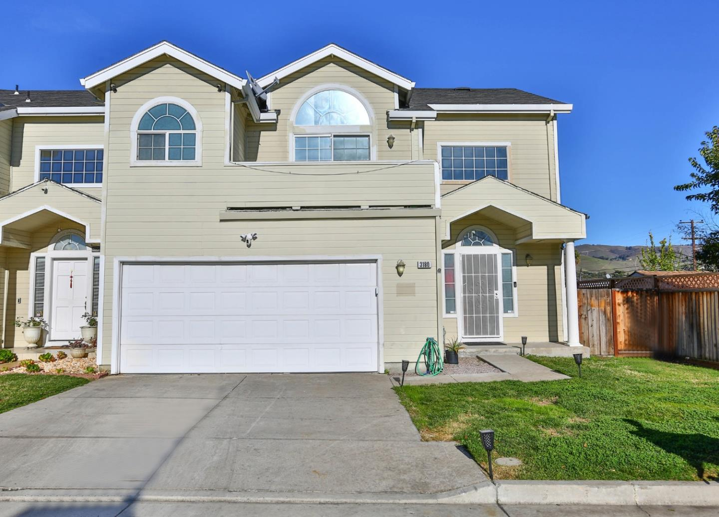 Detail Gallery Image 1 of 1 For 3180 White Ct, San Jose,  CA 95127 - 3 Beds   2/1 Baths