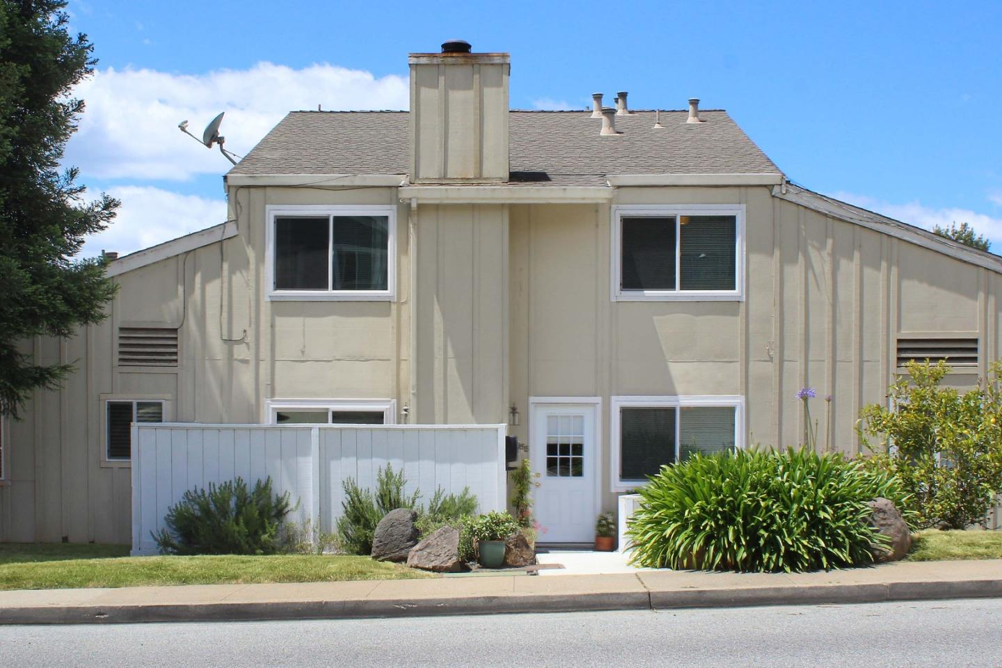 Detail Gallery Image 1 of 1 For 1958 Dolphin Dr, Aptos,  CA 95003 - 2 Beds | 1/1 Baths