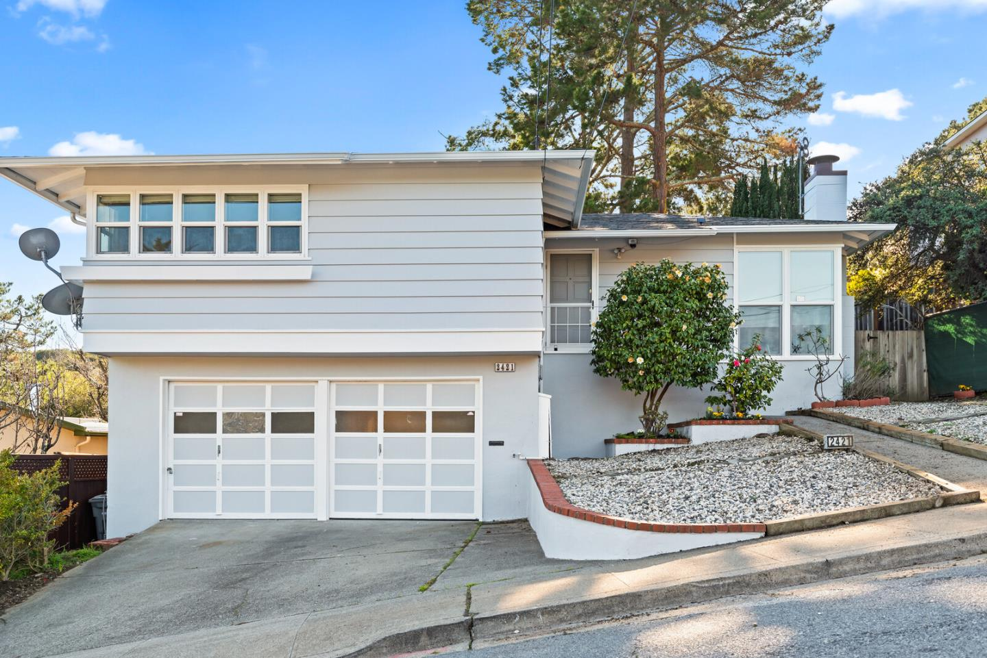 Detail Gallery Image 1 of 1 For 2421 Rosewood Dr, San Bruno,  CA 94066 - 3 Beds   3/1 Baths