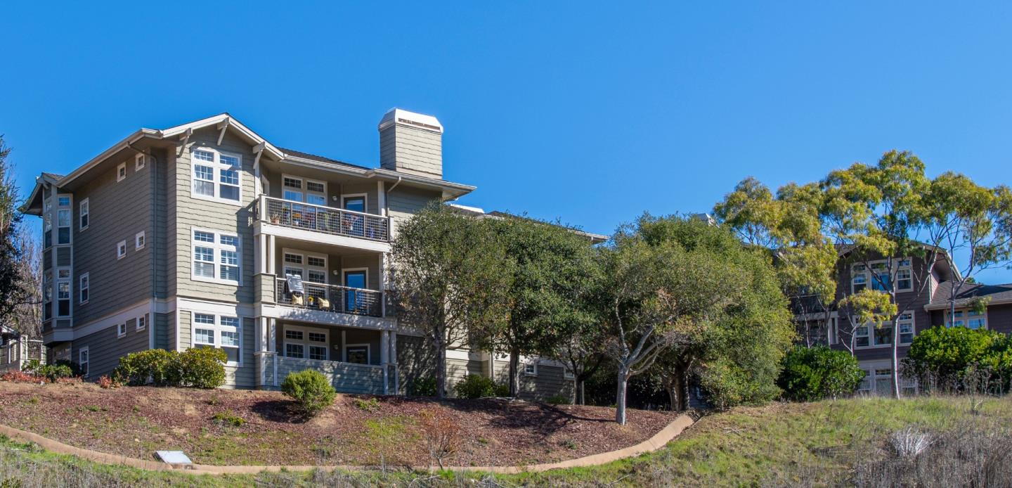 Detail Gallery Image 1 of 1 For 624 Swallowtail Ct, Brisbane,  CA 94005 - 3 Beds | 2 Baths