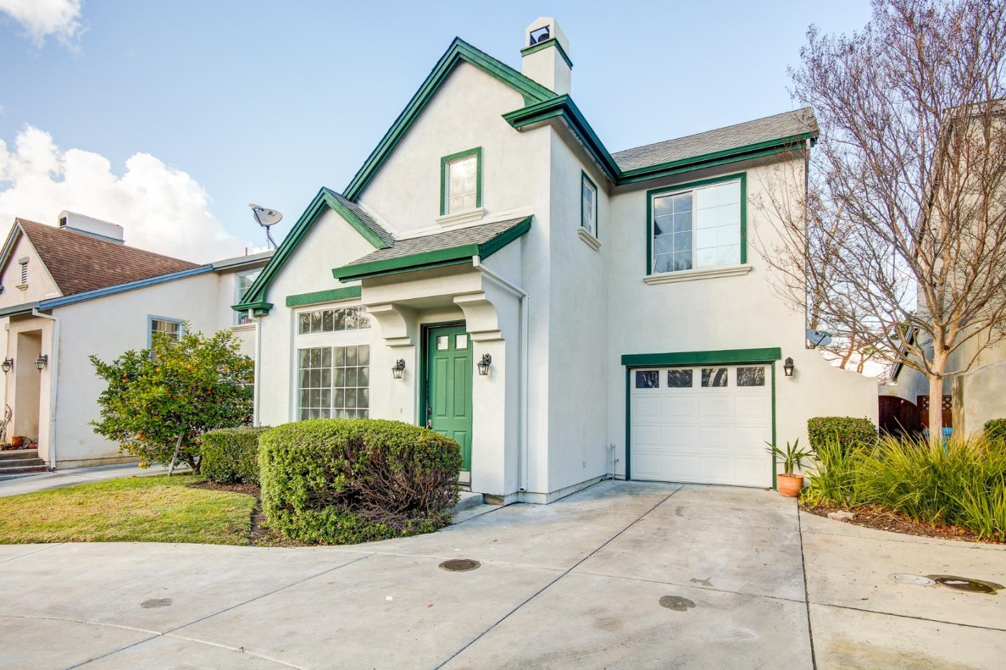 Detail Gallery Image 1 of 1 For 267 Holland Cir, Hollister,  CA 95023 - 2 Beds | 2/1 Baths