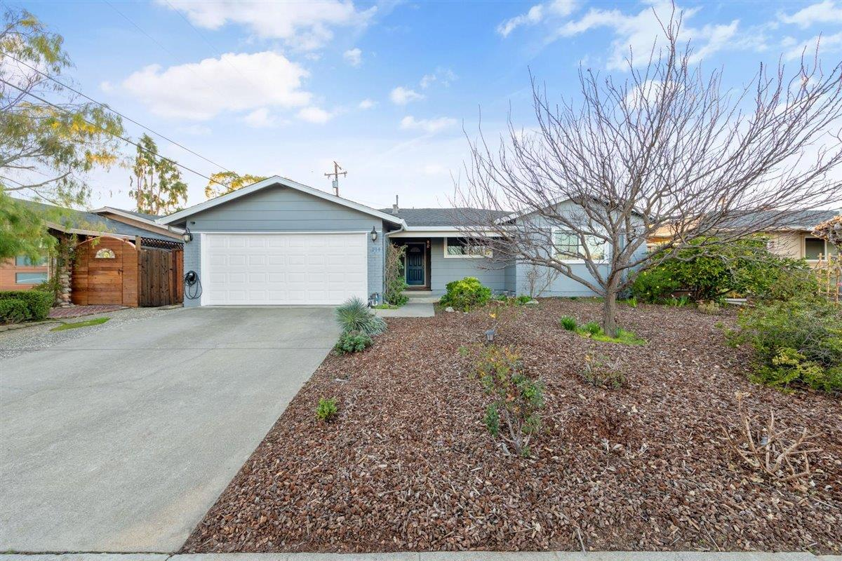Detail Gallery Image 1 of 1 For 219 Thomas Dr, Los Gatos,  CA 95032 - 4 Beds   2 Baths