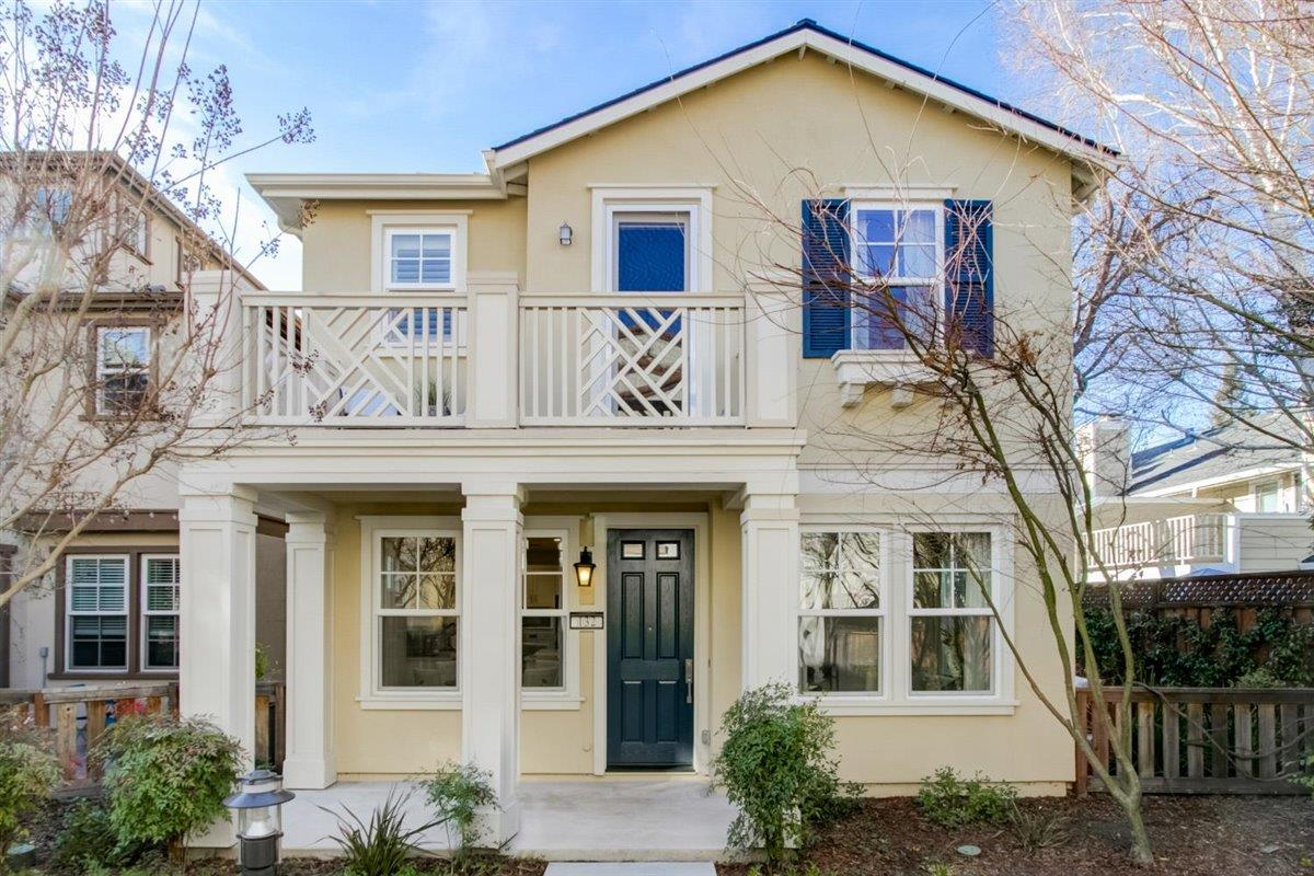 Detail Gallery Image 1 of 1 For 132 Avellino Way, Mountain View,  CA 94043 - 4 Beds | 3/1 Baths