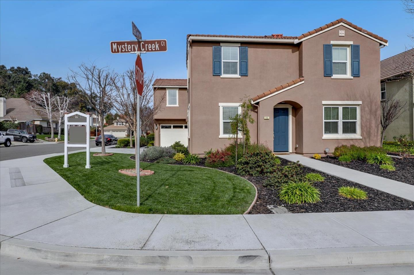 Detail Gallery Image 1 of 1 For 255 Mystery Creek Ct, Morgan Hill,  CA 95037 - 4 Beds | 3/1 Baths