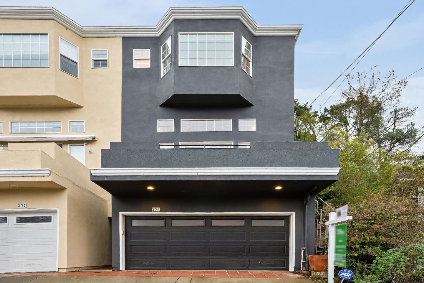 Detail Gallery Image 1 of 29 For 239 Tulare St, Brisbane,  CA 94005 - 4 Beds   2/1 Baths