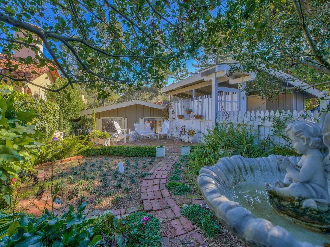 Detail Gallery Image 1 of 44 For 0 Santa Rita 5se Of 2nd St, Carmel,  CA 93923 - 2 Beds | 2 Baths