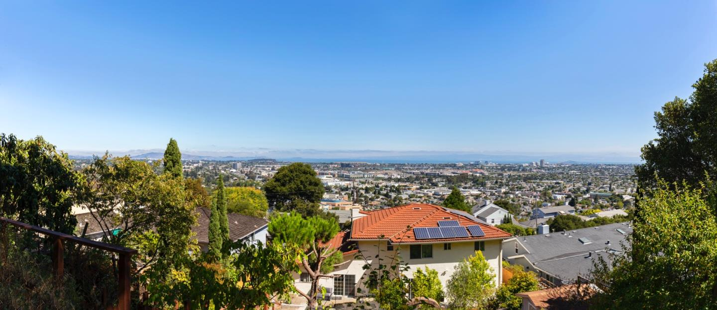 Detail Gallery Image 1 of 37 For 245 42nd Ave, San Mateo,  CA 94403 - 5 Beds   4 Baths
