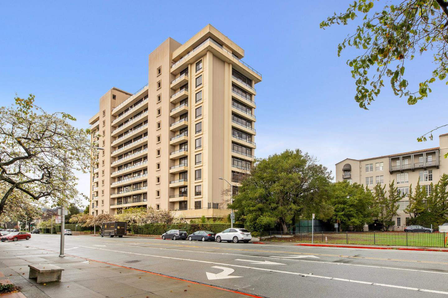 Detail Gallery Image 1 of 41 For 20 W 3rd Ave #902,  San Mateo,  CA 94402 - 2 Beds | 2 Baths