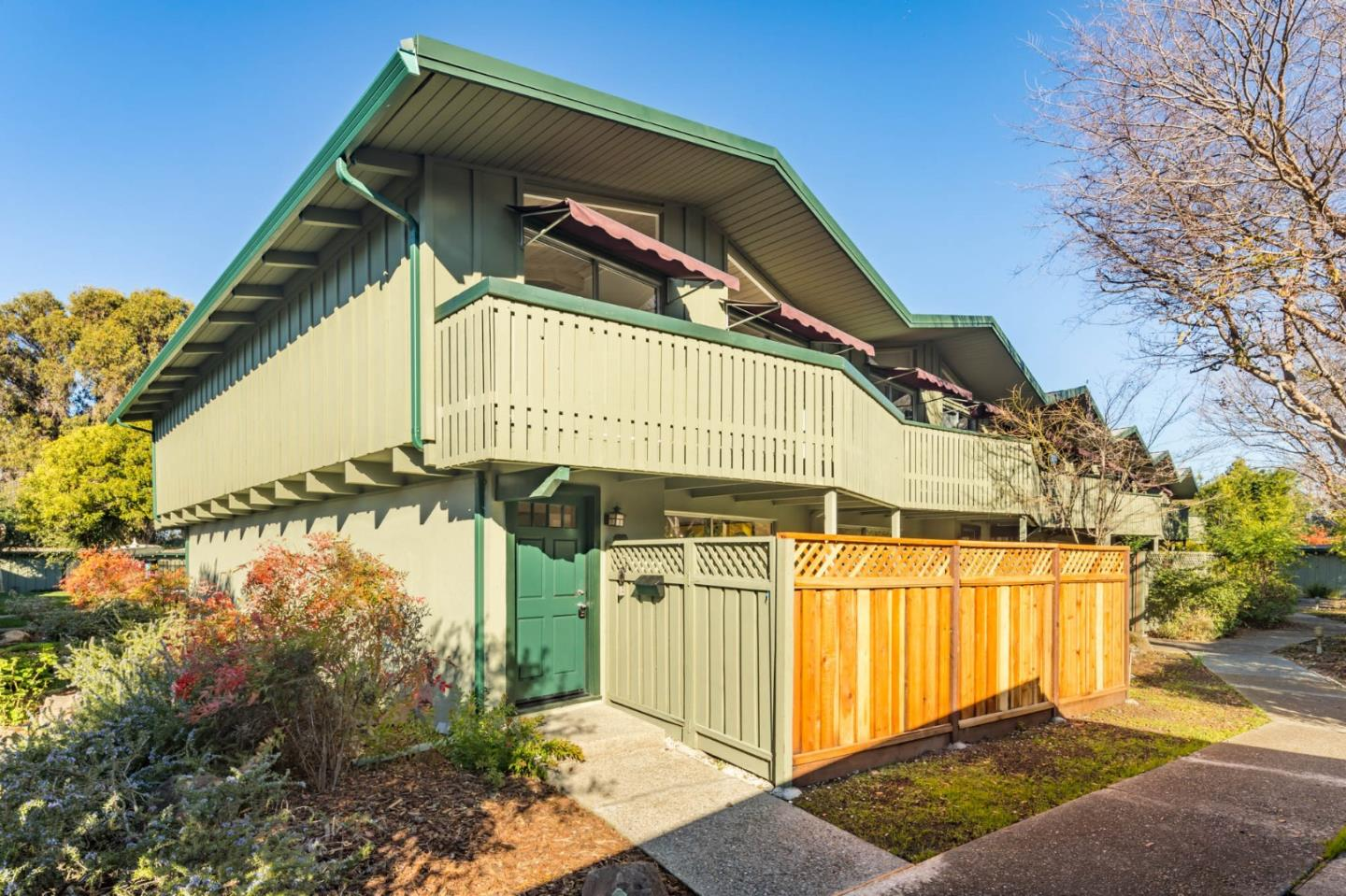 Detail Gallery Image 1 of 1 For 278 Monroe Dr #19,  Mountain View,  CA 94040 - 2 Beds | 1 Baths