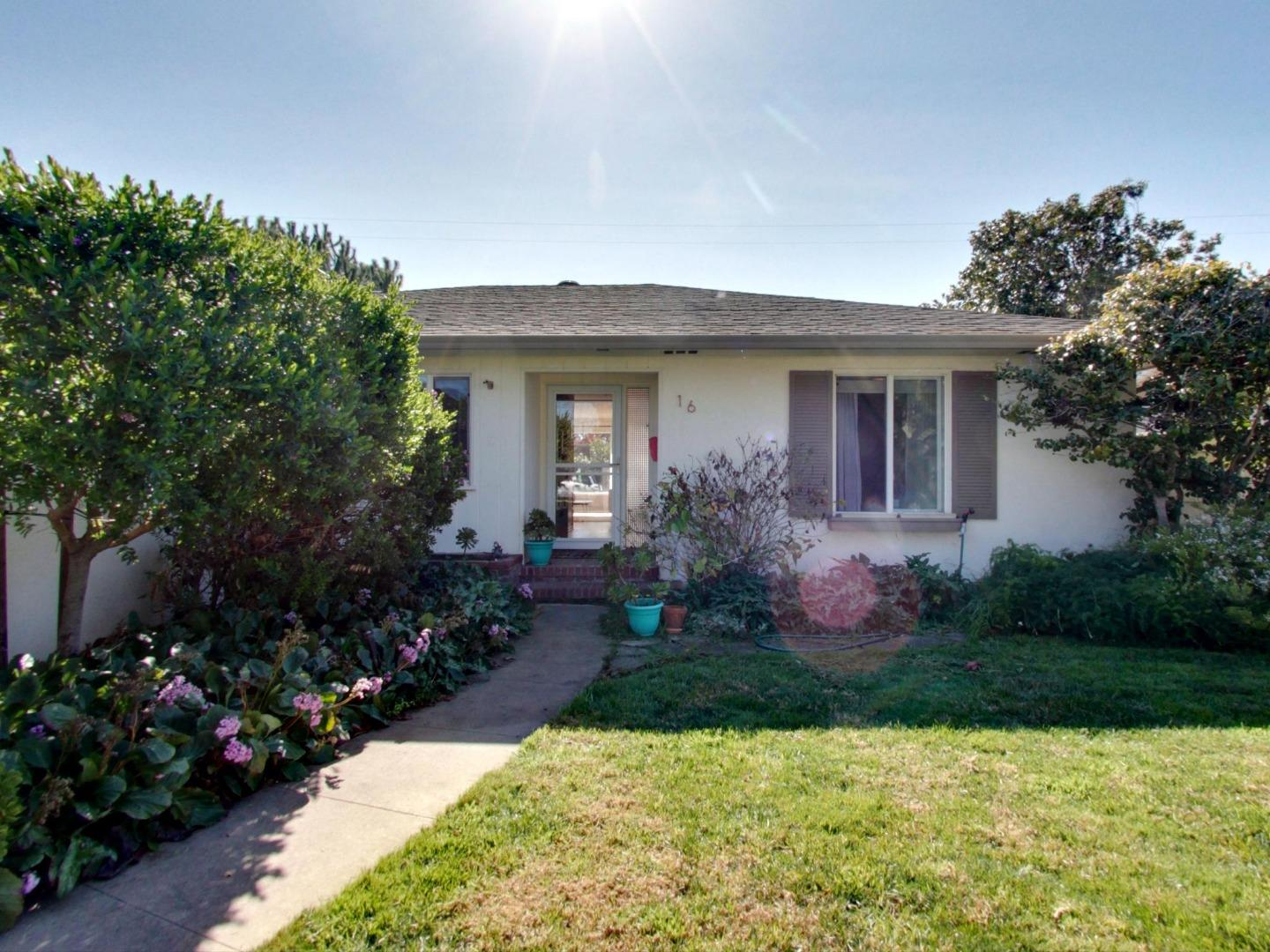 Detail Gallery Image 1 of 1 For 16 San Pedro St, Salinas,  CA 93901 - 3 Beds | 2 Baths