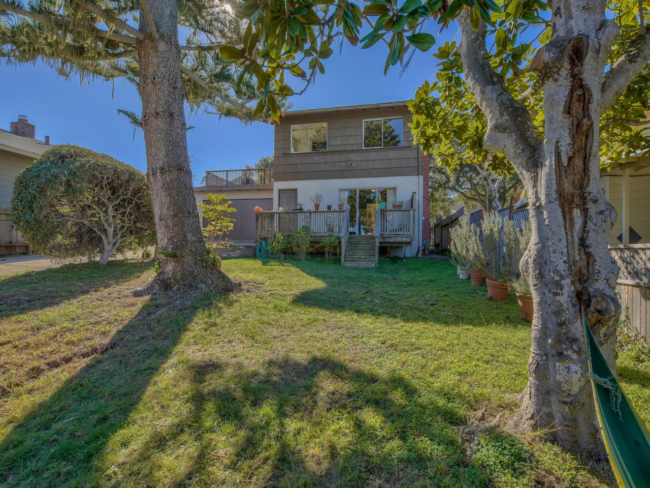 Detail Gallery Image 1 of 1 For 811 Lily St, Monterey,  CA 93940 - 3 Beds | 2 Baths