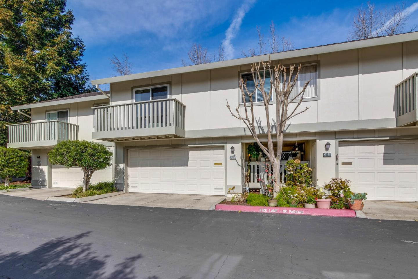 Detail Gallery Image 1 of 1 For 20197 Northbrook Sq, Cupertino,  CA 95014 - 2 Beds | 2 Baths