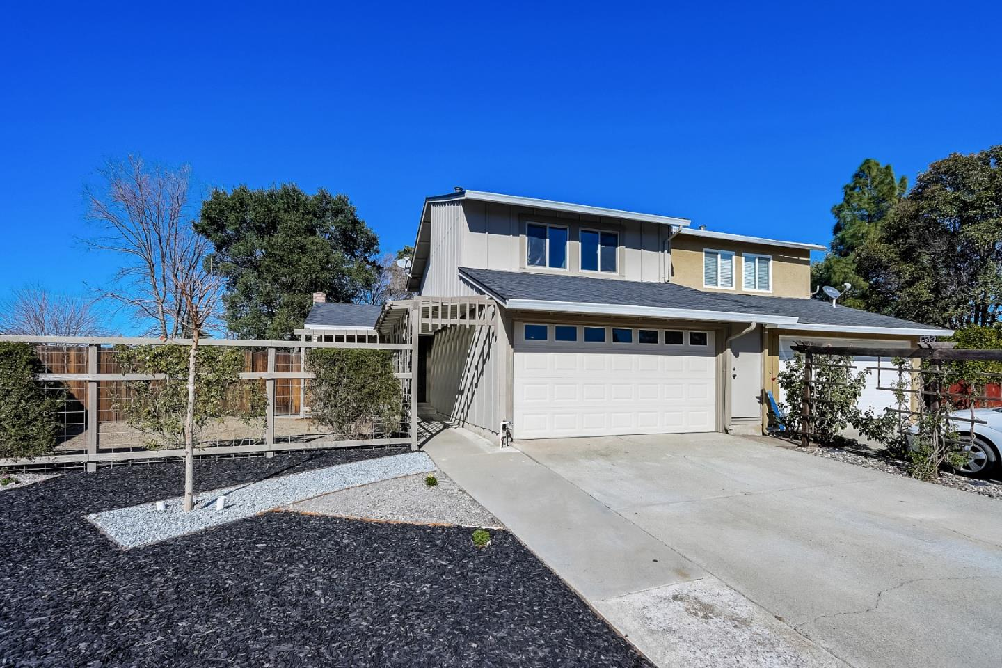 Detail Gallery Image 1 of 1 For 217 Carlyle Ct, Gilroy,  CA 95020 - 3 Beds | 1/1 Baths