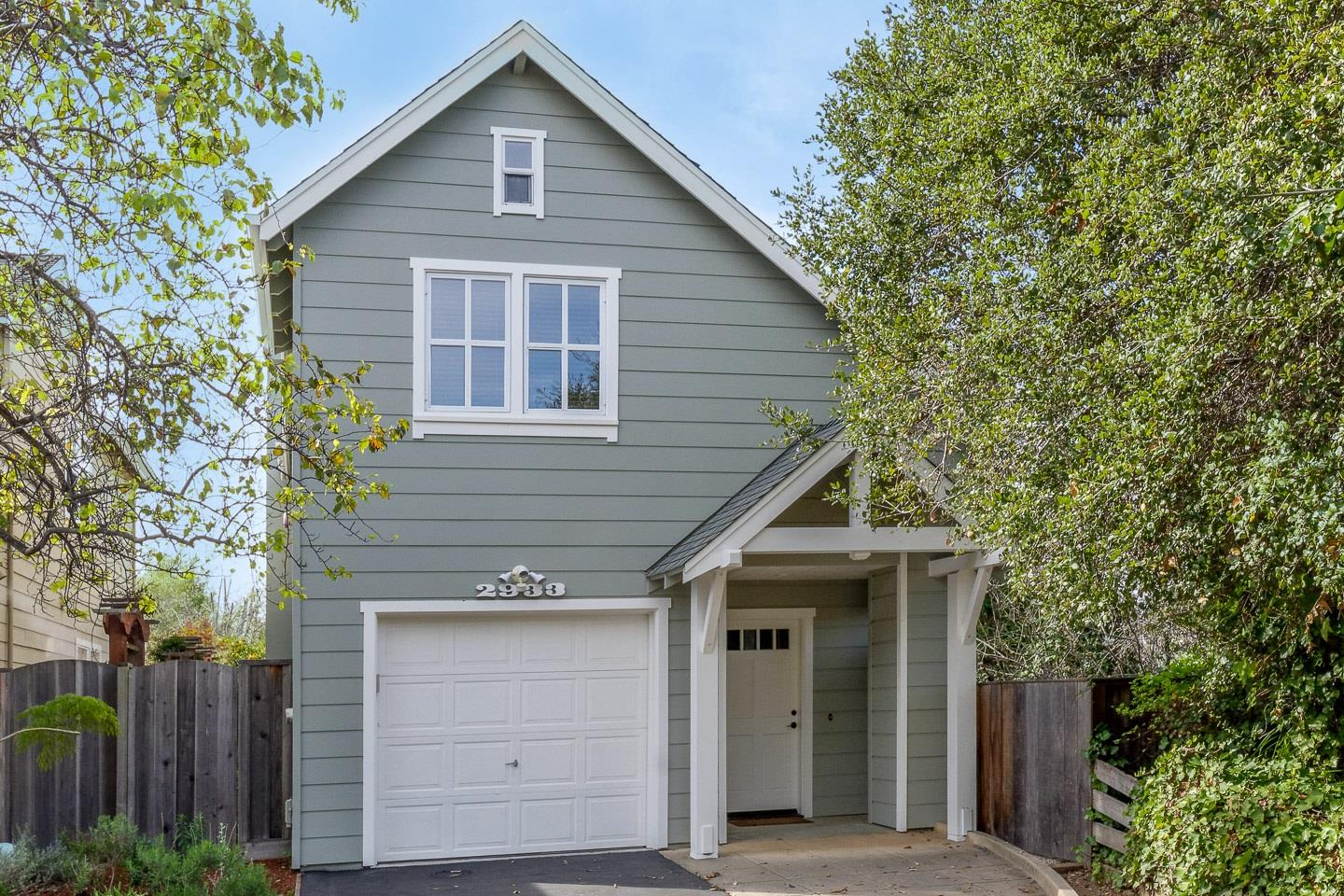 Detail Gallery Image 1 of 1 For 2933 Center St, Soquel,  CA 95073 - 3 Beds   2/1 Baths