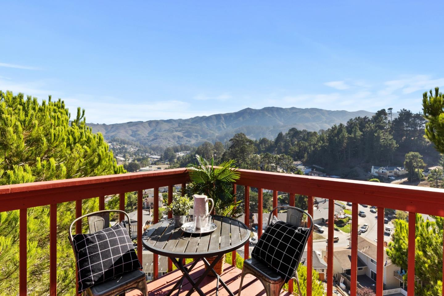 Detail Gallery Image 1 of 1 For 27 Spruce Ct, Pacifica,  CA 94044 - 4 Beds | 3/1 Baths