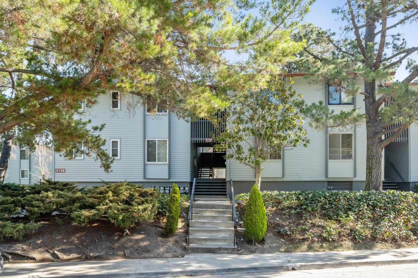 Detail Gallery Image 1 of 1 For 4108 George Ave #3,  San Mateo,  CA 94403 - 2 Beds | 2 Baths