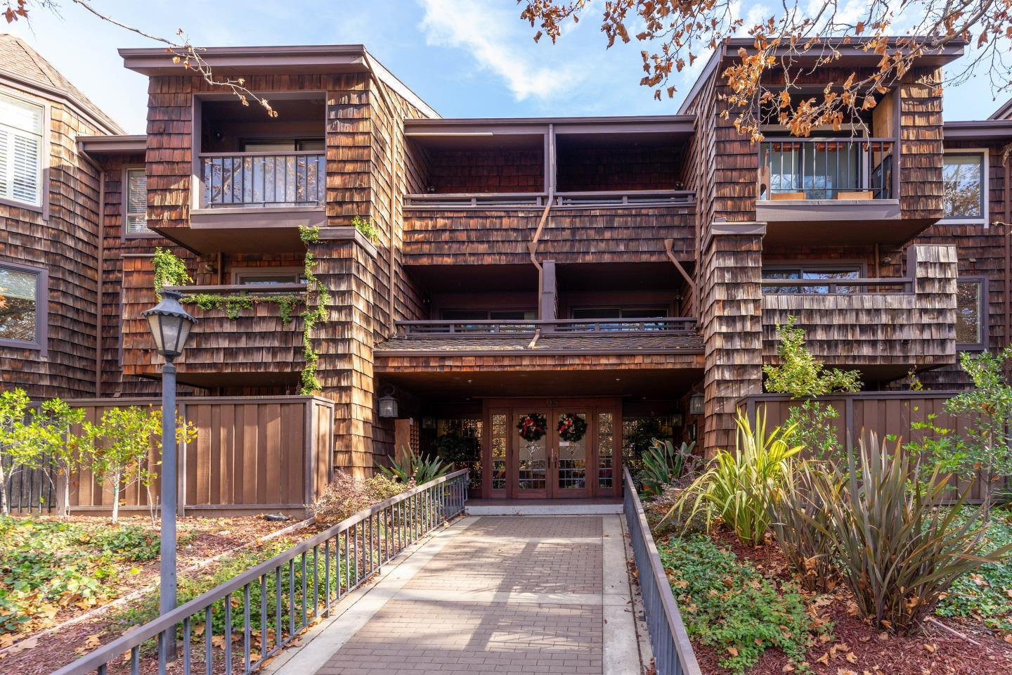 Detail Gallery Image 1 of 21 For 95 Church St #2205,  Los Gatos,  CA 95030 - 3 Beds | 2 Baths