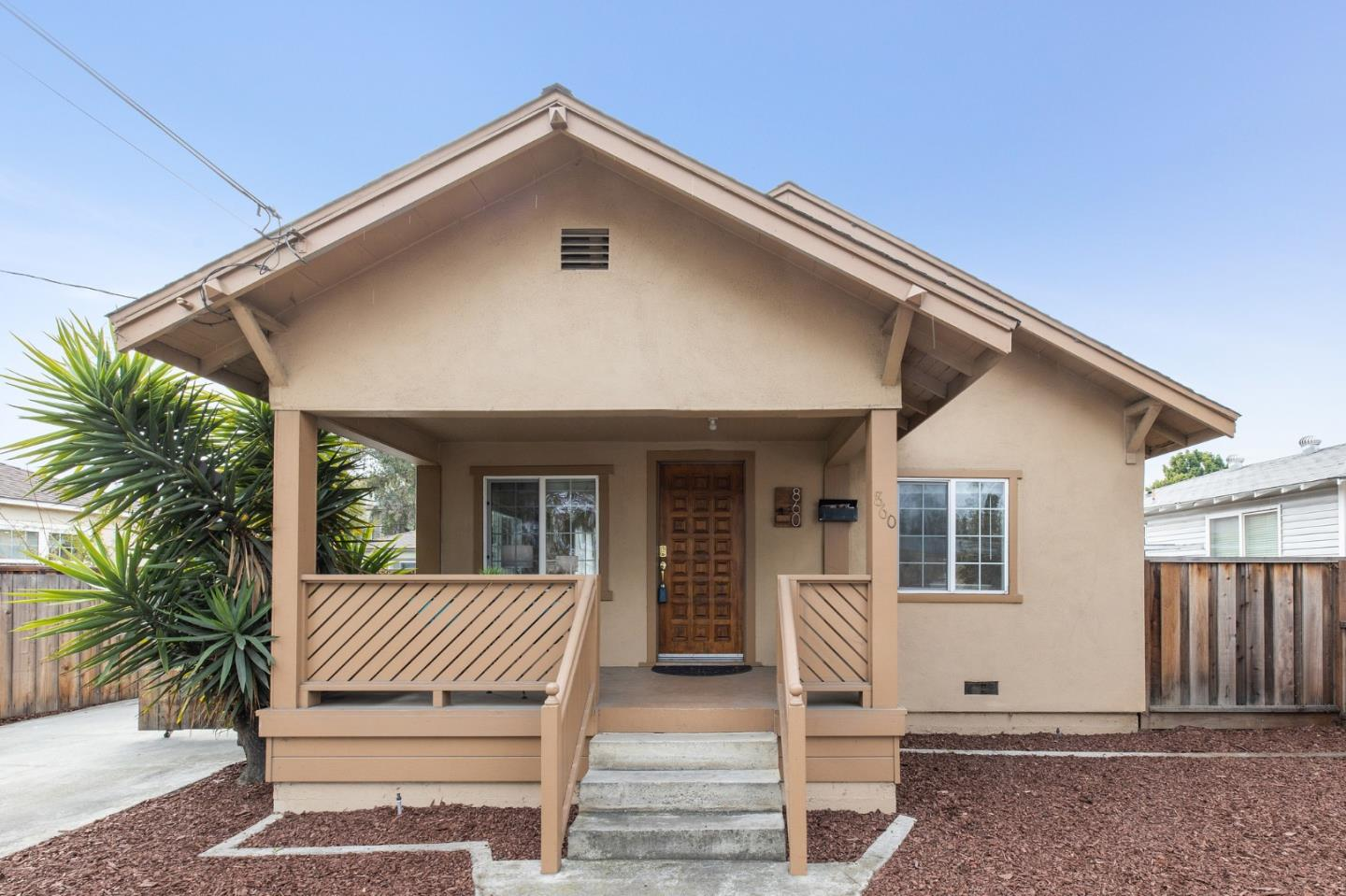 Detail Gallery Image 1 of 1 For 860 Muender Ave, Sunnyvale,  CA 94086 - 4 Beds   2 Baths