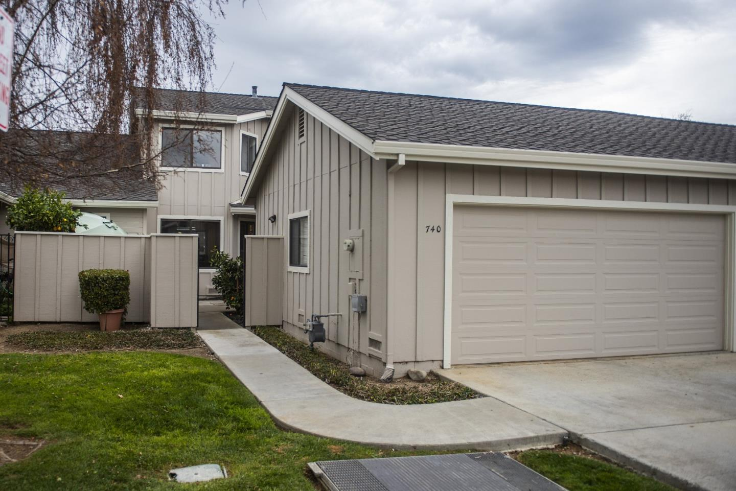Detail Gallery Image 1 of 39 For 740 Duffin Dr, Hollister,  CA 95023 - 2 Beds | 2/1 Baths