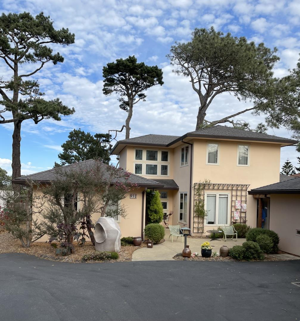 Detail Gallery Image 1 of 1 For 952 Bayview Ave, Pacific Grove,  CA 93950 - 4 Beds   3 Baths