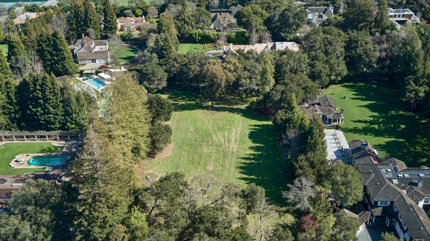 75 Isabella AVE, ATHERTON, California 94027, 5 Bedrooms Bedrooms, ,7 BathroomsBathrooms,Residential,For Sale,75 Isabella AVE,ML81829717