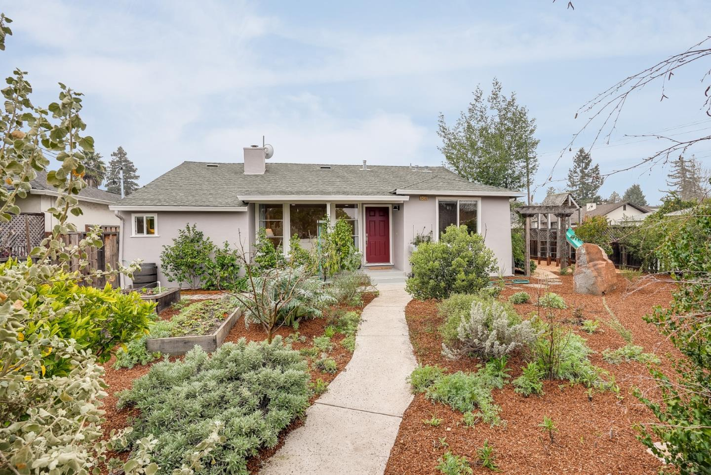Detail Gallery Image 1 of 1 For 3436 Bay Rd, Redwood City,  CA 94063 - 3 Beds | 2 Baths