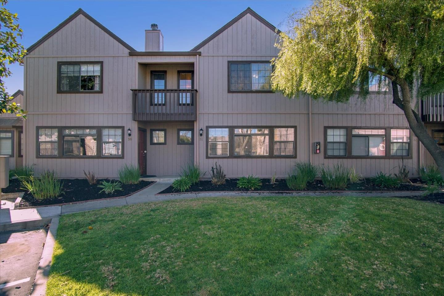 Detail Gallery Image 1 of 1 For 180 Gibson Dr #31,  Hollister,  CA 95023 - 2 Beds   2/1 Baths