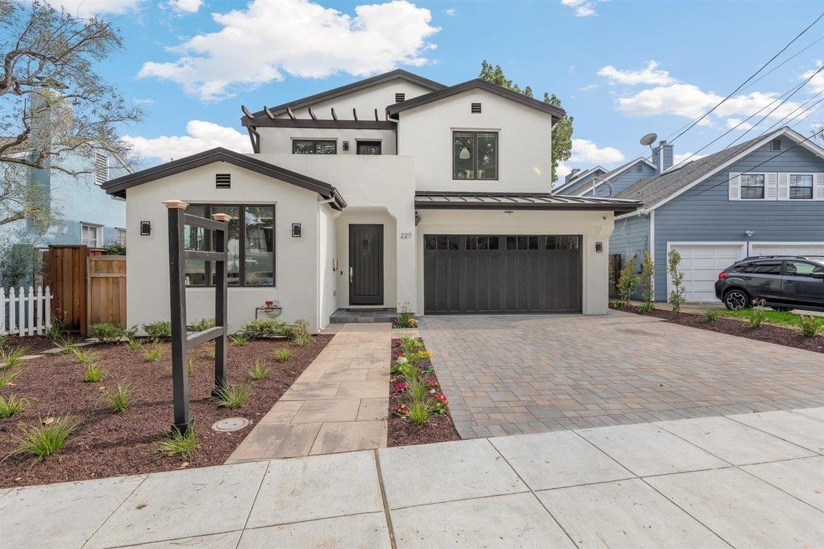 Detail Gallery Image 1 of 1 For 227 Finger Ave, Redwood City,  CA 94062 - 5 Beds | 4/1 Baths