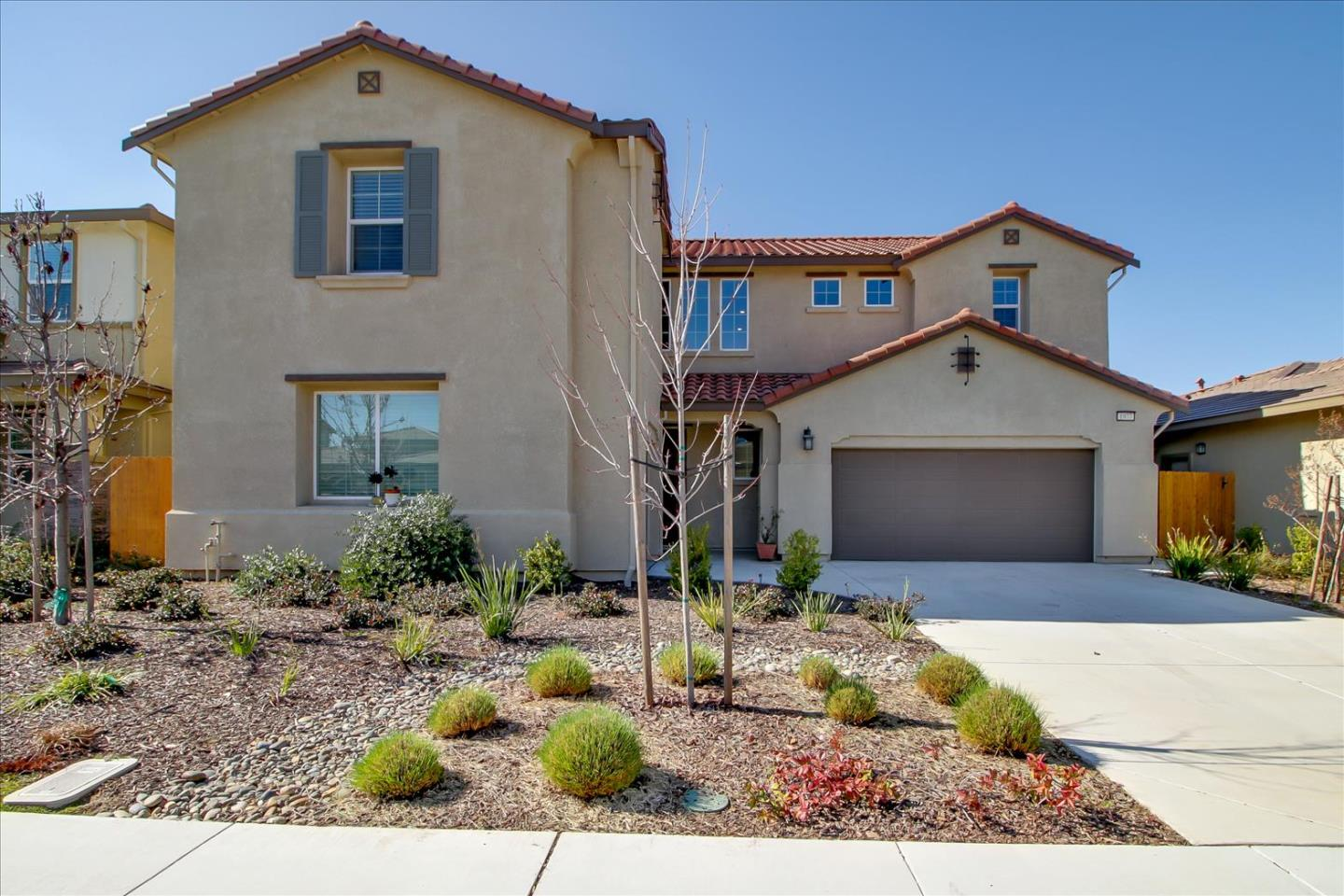 Detail Gallery Image 1 of 1 For 1977 Lovejoy Ave, Manteca,  CA 95337 - 5 Beds   4/1 Baths
