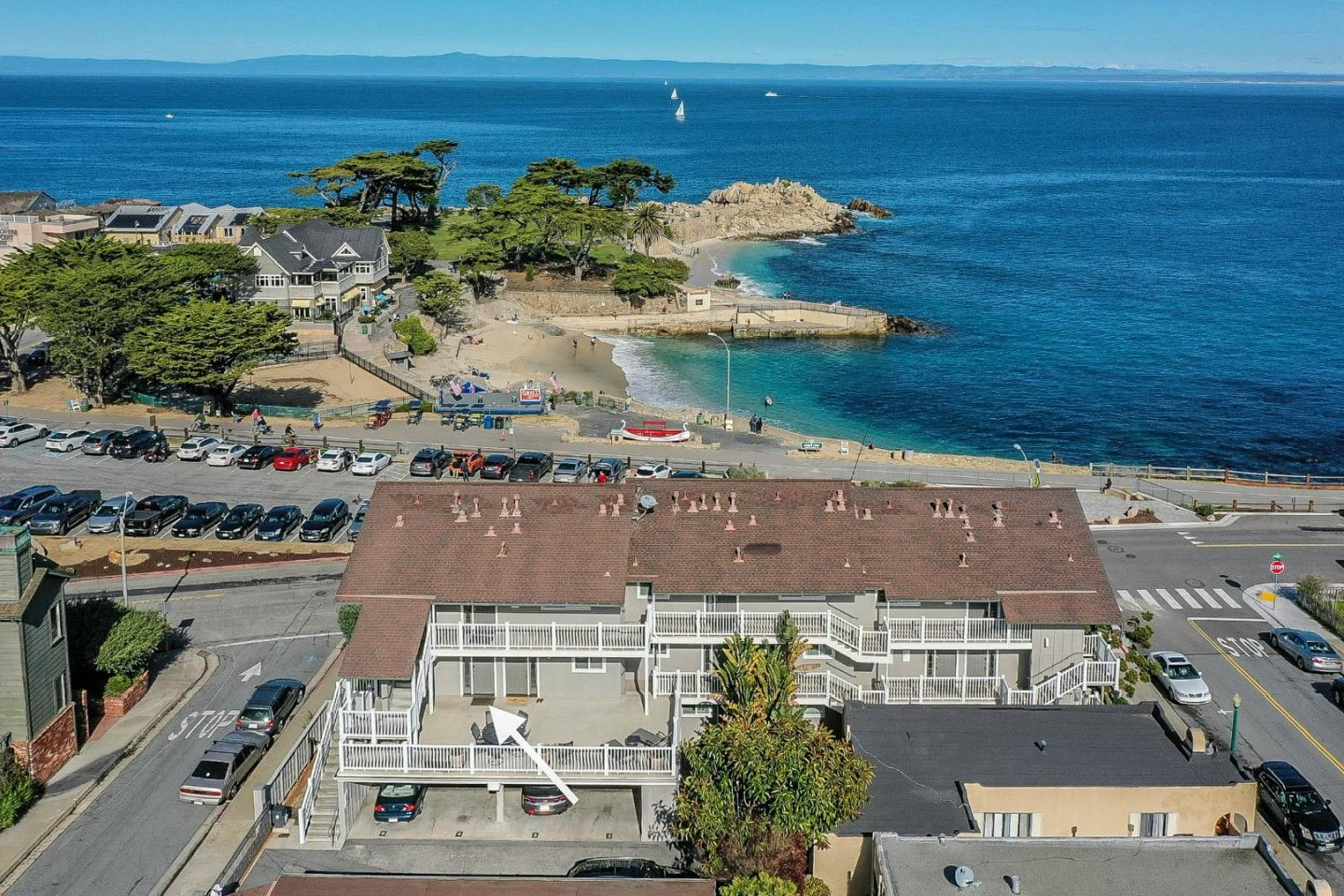 Detail Gallery Image 1 of 25 For 585 Ocean View Blvd #1,  Pacific Grove,  CA 93950 - 2 Beds | 1/1 Baths