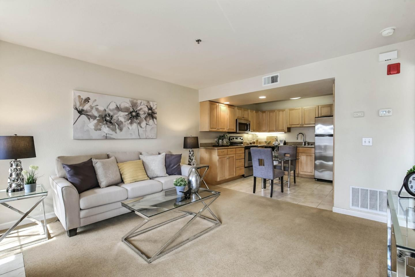 Detail Gallery Image 1 of 1 For 621 E El Camino Real #202,  Sunnyvale,  CA 94087 - 1 Beds   1 Baths