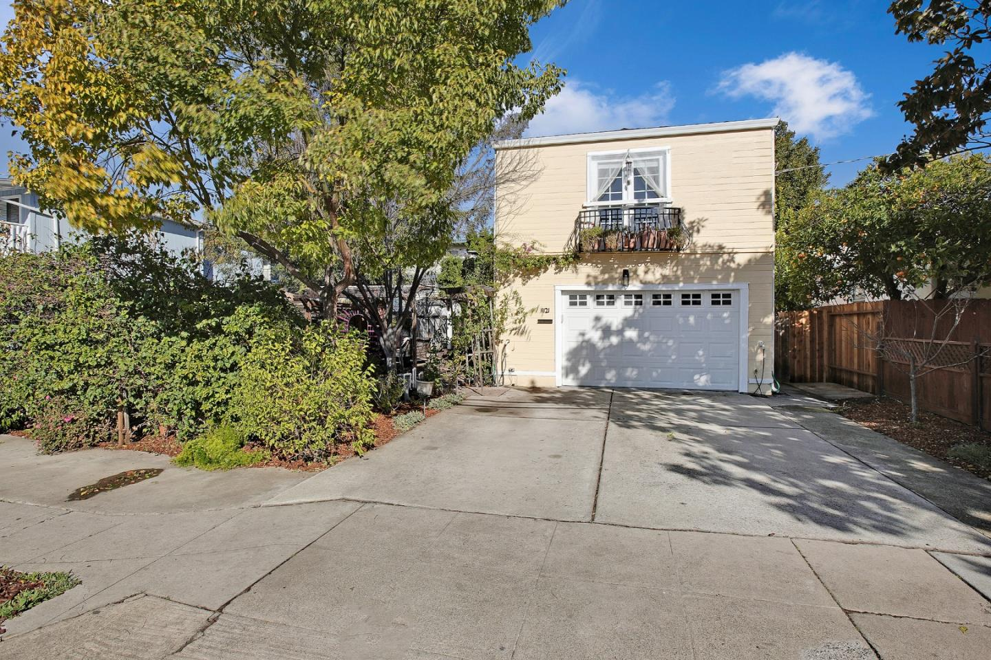 Detail Gallery Image 1 of 1 For 1121 Adams St, Redwood City,  CA 94061 - 3 Beds | 2/1 Baths