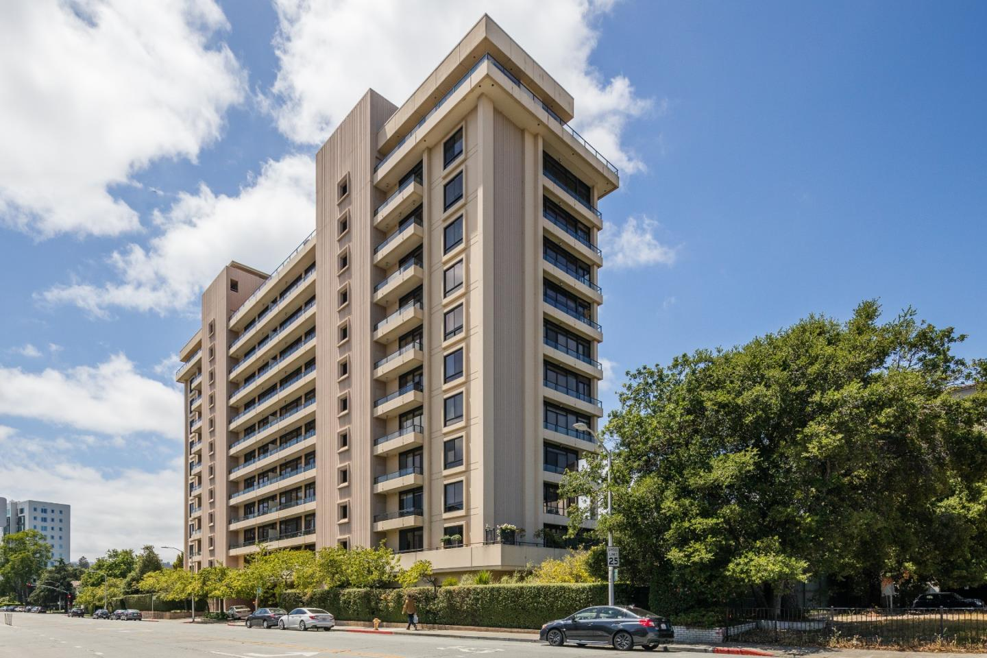 Detail Gallery Image 1 of 9 For 20 W 3rd Ave #202,  San Mateo,  CA 94402 - 2 Beds | 2 Baths