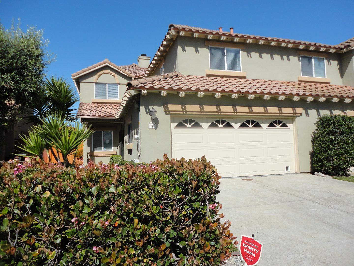 Detail Gallery Image 1 of 20 For 949 Nantucket Blvd #5,  Salinas,  CA 93906 - 3 Beds | 2/1 Baths