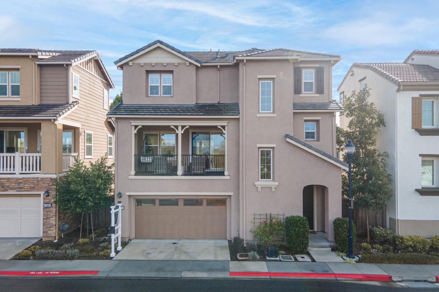 Detail Gallery Image 1 of 1 For 3812 Fiano Cmn, Fremont,  CA 94555 - 3 Beds   3/1 Baths