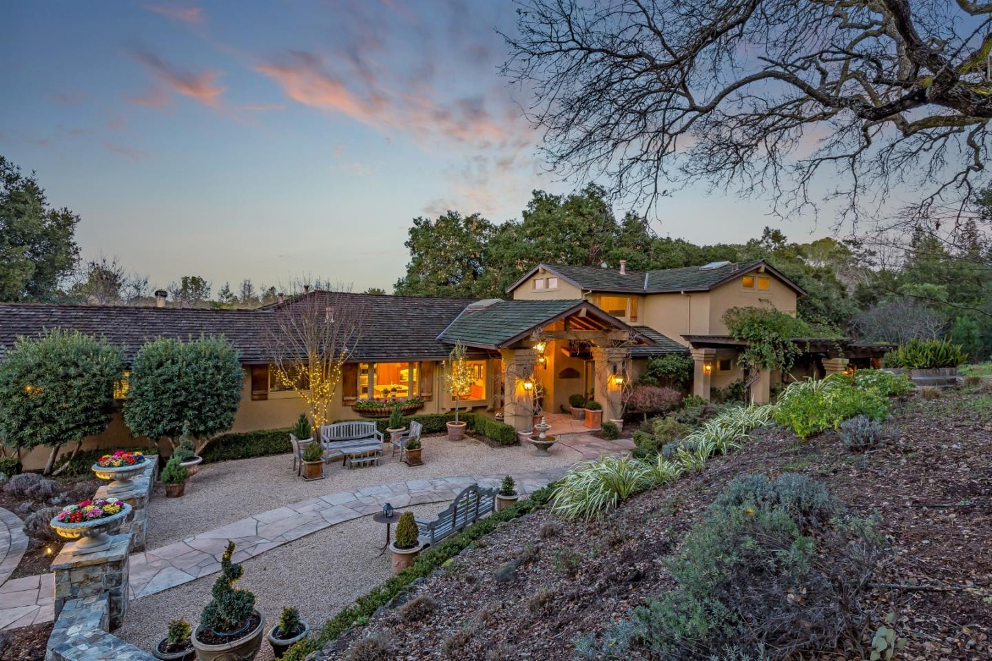 Detail Gallery Image 1 of 62 For 27600 Edgerton Rd, Los Altos Hills,  CA 94022 - 4 Beds | 4 Baths