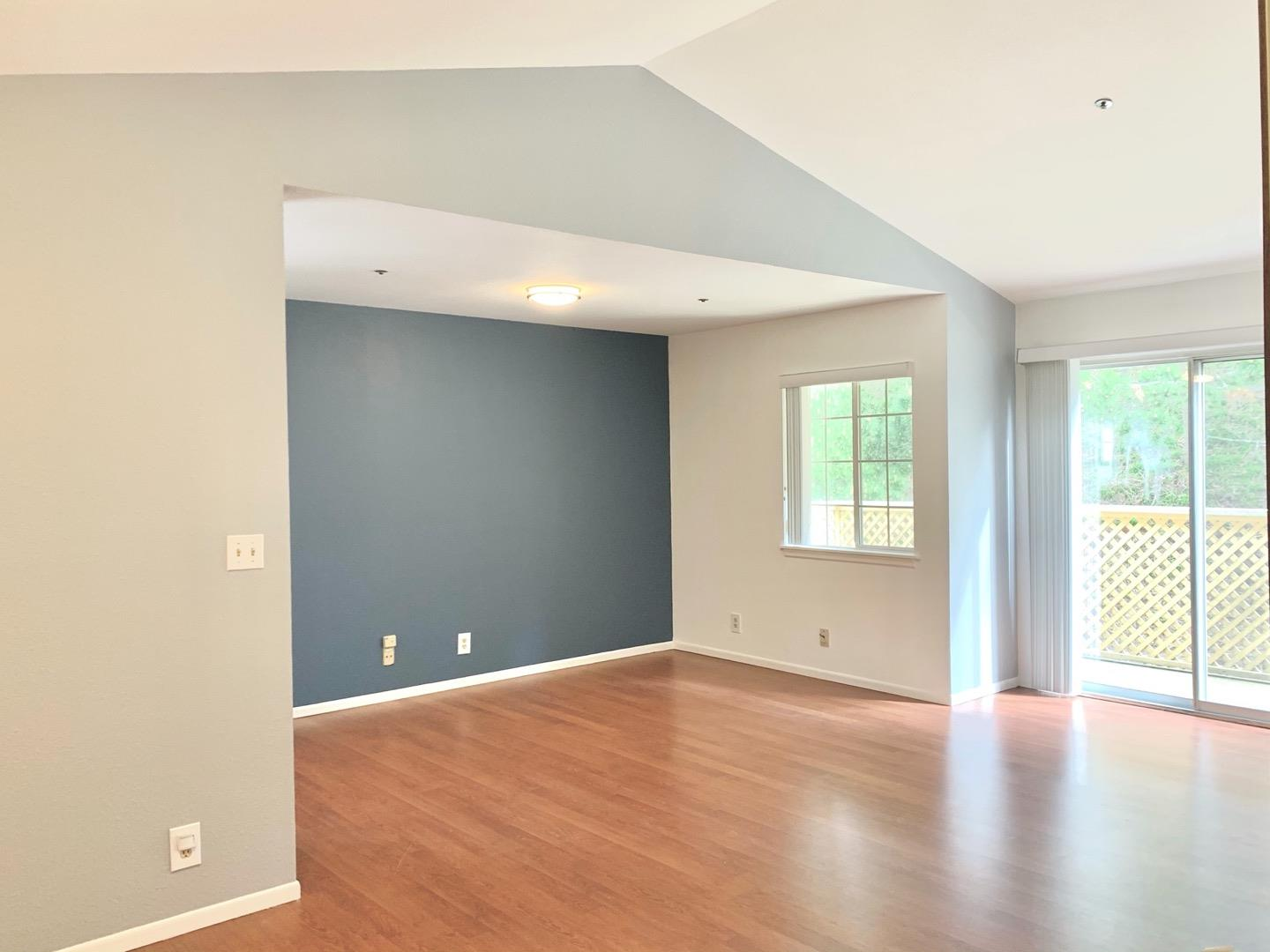 Detail Gallery Image 1 of 1 For 1007 San Antonio Cir #316,  Daly City,  CA 94014 - 1 Beds | 1 Baths