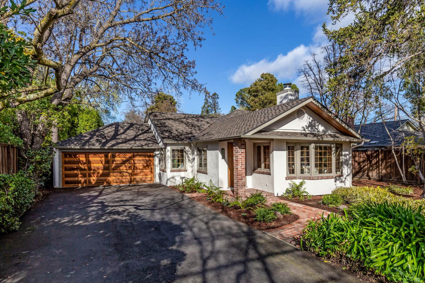 Detail Gallery Image 1 of 1 For 870 Los Robles Ave, Palo Alto,  CA 94306 - 4 Beds | 2 Baths