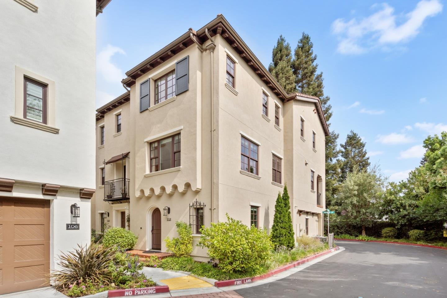 Detail Gallery Image 1 of 1 For 112 Savannah Loop, Mountain View,  CA 94043 - 4 Beds | 3/1 Baths