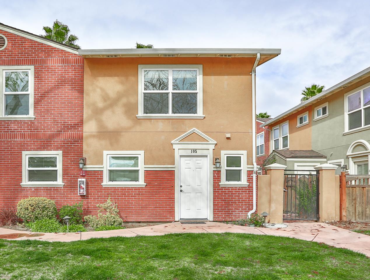 Detail Gallery Image 1 of 1 For 857 Carlisle Way #105,  Sunnyvale,  CA 94087 - 2 Beds   2/1 Baths