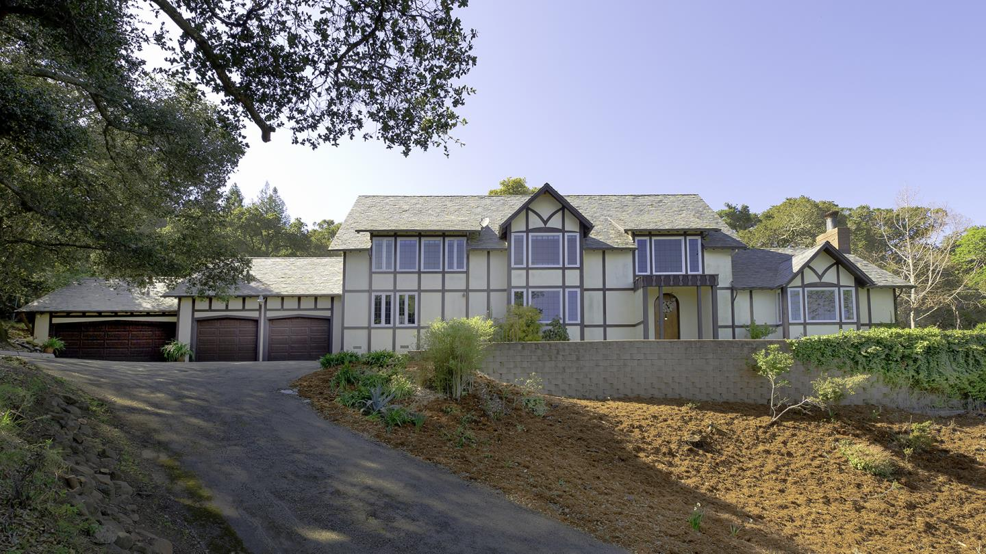 Detail Gallery Image 1 of 16 For 260 Robin Rd, Hillsborough,  CA 94010 - 3 Beds | 2/1 Baths