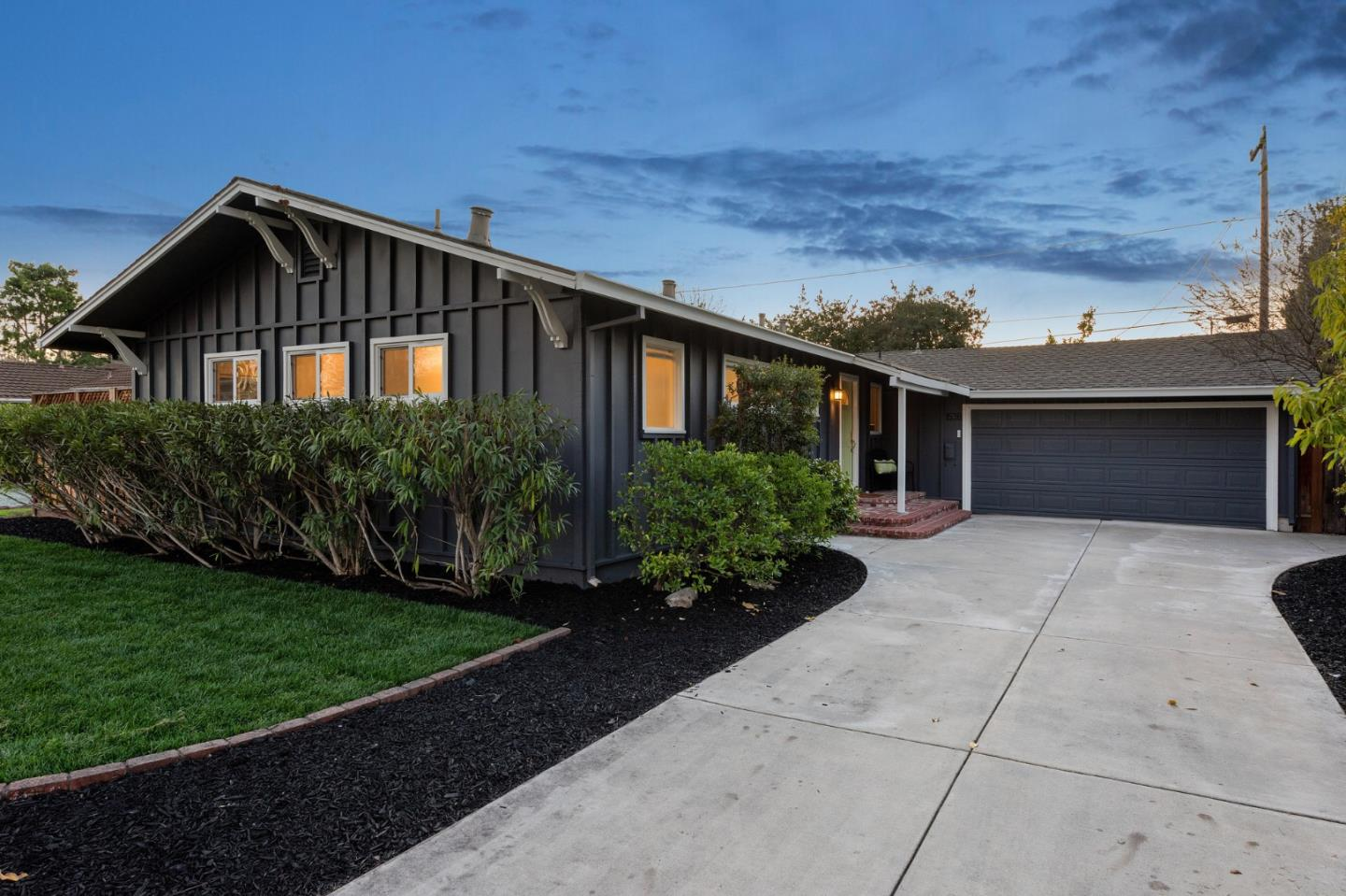 Detail Gallery Image 1 of 1 For 1538 Nilda Ave, Mountain View,  CA 94040 - 3 Beds | 2 Baths