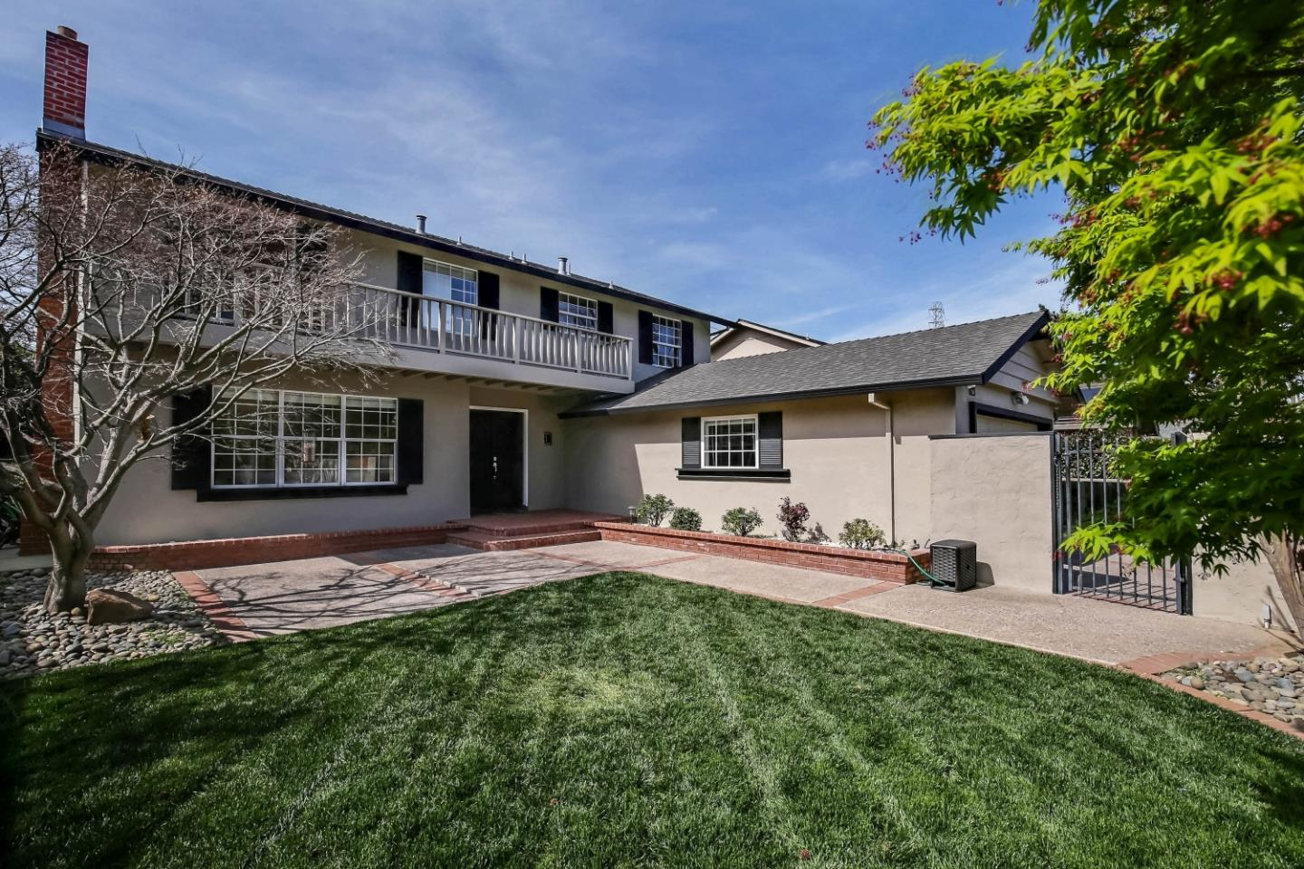 Detail Gallery Image 1 of 1 For 823 Rubis Dr, Sunnyvale,  CA 94087 - 6 Beds   3 Baths