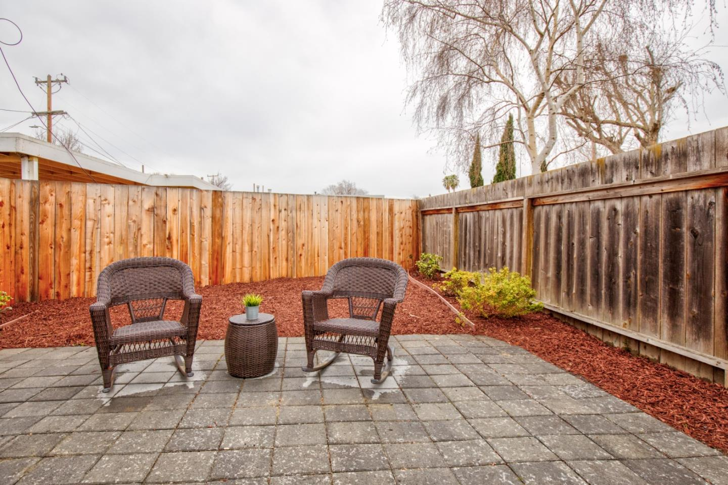 Detail Gallery Image 1 of 12 For 740 Hamilton Ave, Menlo Park,  CA 94025 - 2 Beds   1 Baths
