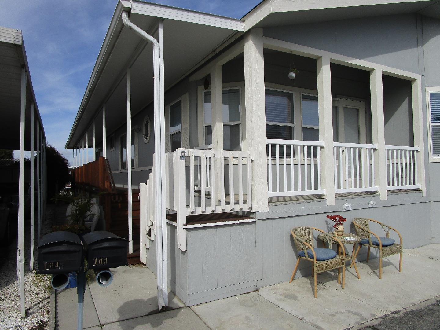 Detail Gallery Image 1 of 31 For 150 Kern St #103,  Salinas,  CA 93905 - 2 Beds | 2 Baths