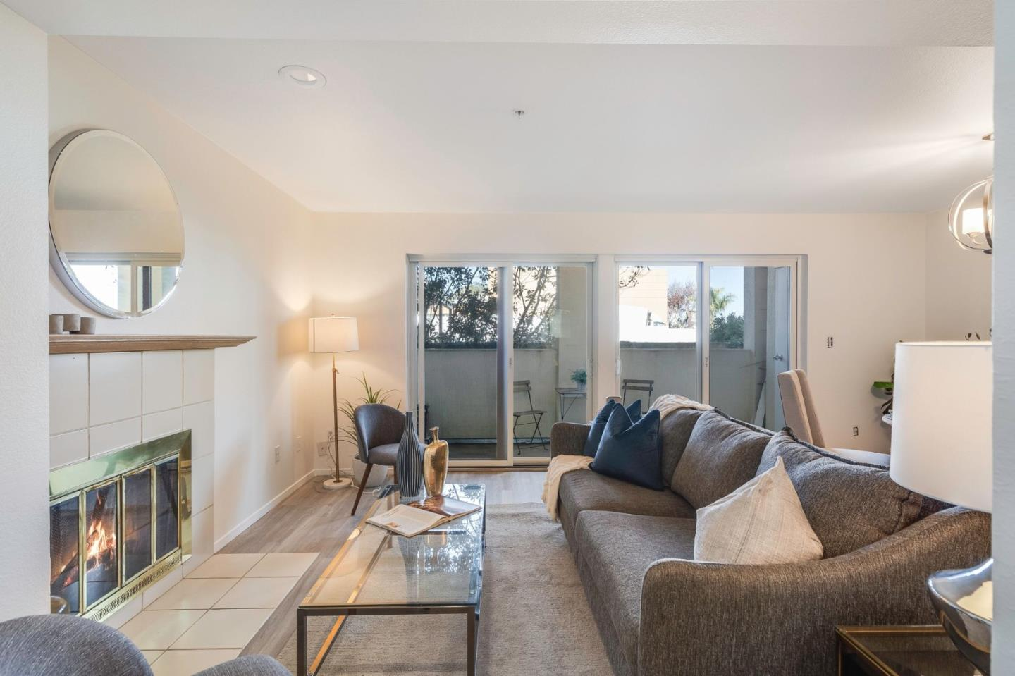 Detail Gallery Image 1 of 35 For 3885 Carter Dr #106,  South San Francisco,  CA 94080 - 2 Beds | 2 Baths
